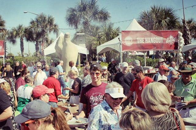 Otoño-Festivales--Oyster-cook-off-and-craft-beer-at-The-Hangout_