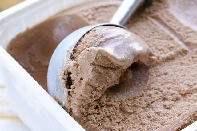 ¿Qué tal un helado casero sin mantequilla?