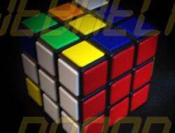 El cubo mágico de Rubik terminó en su celular. ¿Eres capaz de resolverlo?
