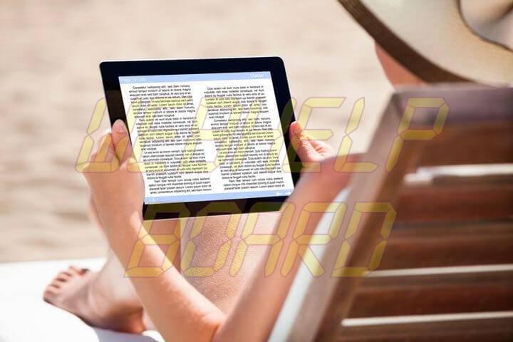mulher lendo ebook 720x480 - Tutorial: como criar um eBook para ler em qualquer lugar